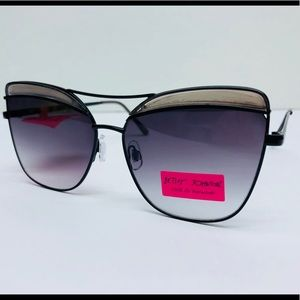 🌺 Betsey Johnson Women's Retro Sunglasses 🌺